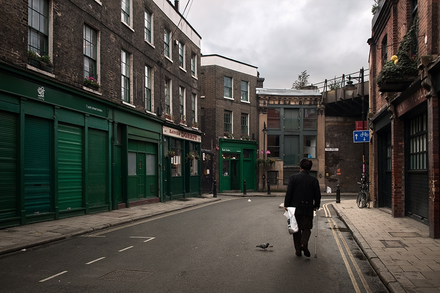 http://mathieumiet.com/files/gimgs/th-121_Lonesome-old-man-London-2012-Mathieu-Miet.jpg