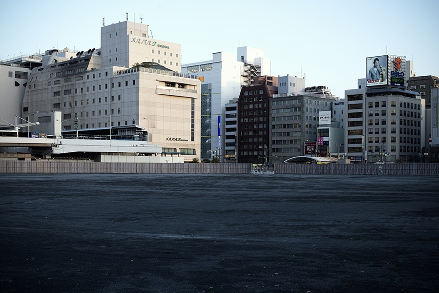 http://mathieumiet.com/files/gimgs/th-133_Full-is-empty-Hiroshima-Japan-2014-Mathieu-Miet.jpg